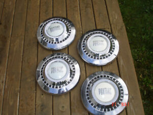 Hub caps for a Pontiac Pathfinder from 1948-50