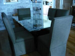 table et chaise