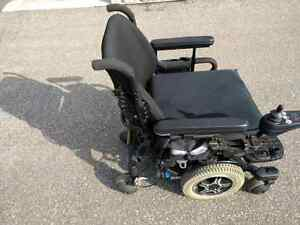 ELECTRIC WHEELCHAIR - PRIDE MOBILITY QUANTUM 600, USED, EXCELLEN