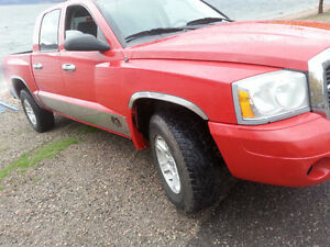 2007 Dodge Dakota SLT Pickup Truck crew cab