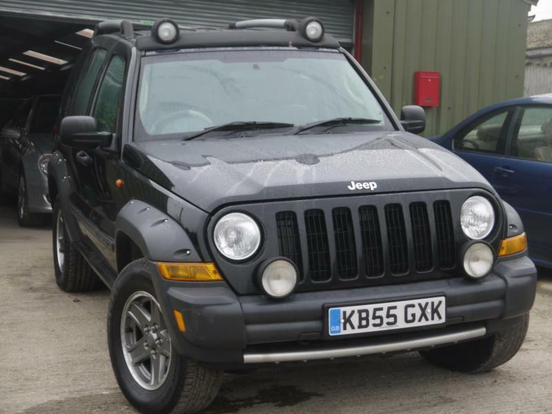 Jeep Cherokee 2.8 CRD AUTO Renegade. MOT MARCH 2018. LOOKS GREAT