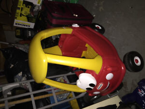 Little Tikes ride on car. Very good condition