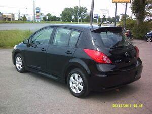 Nissan Versa 1,8 SL 2010, toit ouvrant, bluetooth,  Comme neuve!