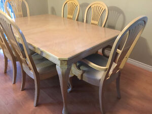 Solid Maple Table & 6 Chairs