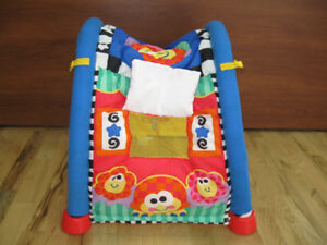 Fisher Price Tapis d'éveil-tunnel 2 en 1 en excellent état