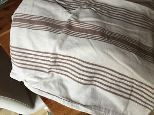 Twin flannel sheets, 2 sets