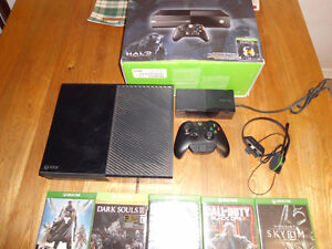 Xbox ONE, 1 headset, 1 controller, 7 games