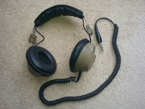 Headphones full size with wire in good working condition