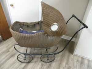 Vintage Lloyd loom Wicker Baby carriage from the 1920s.
