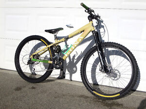 Kona Stuff Dirt Jumper