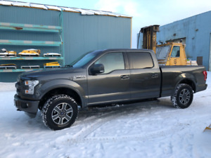 2019 FORD F150 SUPERCREW 4WD LARIAT, LOW KMS.