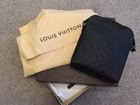 Louis Vuitton Messenger Bag Original With the Receipt.