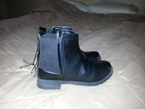 Womens' Boots