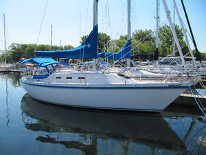 1986 CS 33 Sailboat In Bayfield