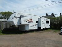 Jayco Eagle 351RLTS, excellent condition, 3 slides, sleeps 4