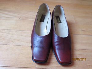 Women shoes brown leather size 7