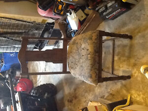 Antique chair 40.00 obo Cornwall Ontario image 1