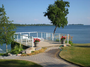 ORILLIA EXECUTIVE WATERFRONT One Bedroom INCLUSIVE July 15