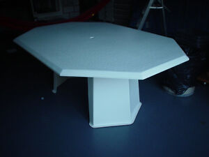 Large  fiberglass table with hole for umbrella Perfect for patio
