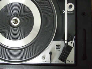 Beautiful fully serviced Dual 1225 vintage automatic turntable London Ontario image 2