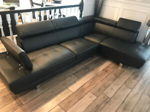 brand new modern sectional w adjustable headrests black