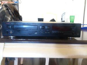 Luxman D-321 CD PLAYER