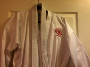 Karate Gi - Size 5 (Large Youth or Adult) - MINT CONDITION! St. John's Newfoundland image 1