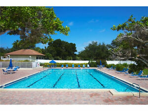 2 BDR CONDO ON GOLF NEAR BEACH IN VENICE, FL