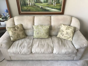 CREAM COUCH / SOFA