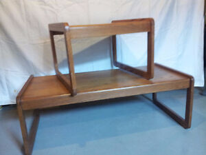 BEAUTIFUL MODERN SOLID OAK COFFEE TABLE AND END TABLE