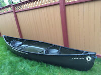 excellent condition canoe