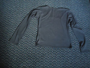 Ladies Size L/G Scoop Neck Long Sleeve T-Shirt Kingston Kingston Area image 2
