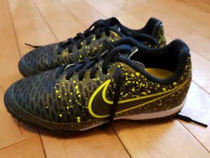 Nike Soccer shoes size 3.5