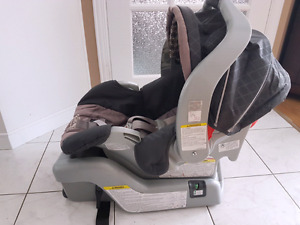 Graco Snug ride 30 with base