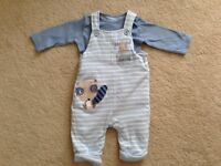 MOTHERCARE 2 piece in excellent condition 0-3 months