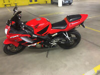 2002 Honda CBR F4i (No tax @ Saaq)