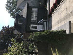 3000.00 $  Detached House in East York for Rent .
