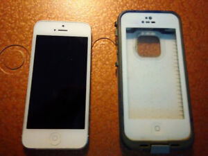 iphone 5 w/3 cases & charger