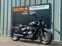 TRIUMPH BOBBER BLACK MODERN CLASSIC MOTORCYCLE