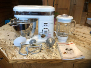 Cuisinart 5 L Stand Mixer with Blender