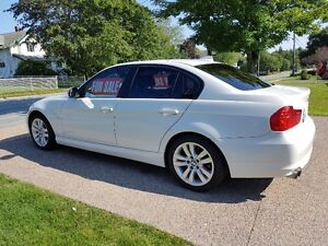 2011 BMW 3-Series Luxury Sedan - REDUCED PRICE
