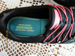 Ladies size 7 Sketchers memory foam runners