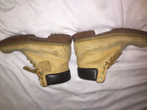 MENS Timberland Boots , Size 9 , 7/10 condition