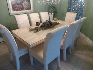 mint condition marble table and chairs London Ontario image 1