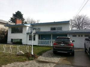2400 sqf 4/5 bedrooms single house in Penticton for rent