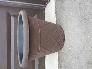 Large round brown outdoor planter pot London Ontario image 1