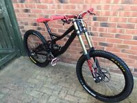 PRICE DROP. Top spec Specialized demo 8 downhill mountain bike