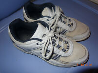 Souliers course sport running shoes hommes sz 8 sneakers white