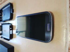 Telus Samsung Galaxy S3 Excellent Condition with Otterbox Case