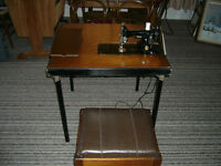Vintage Singer Featherweight Sewing Machine, Table, Bench ++